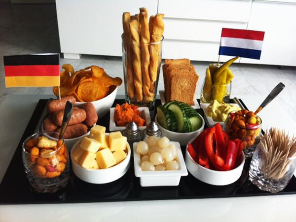 Zelfgemaakte Duitse en Nederlandse hapjes