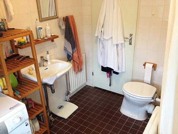 Bloed zweet en de badkamer - Bruine en beige badkamer ...