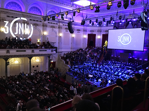 James Newton Howard met 3 Decades of Hollywood Music in het Concertgebouw
